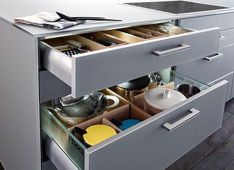 Кухонные ящики, фурнитура, функционал